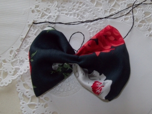 Almost no-sew craft tutorial - How To Make A Hair Bow